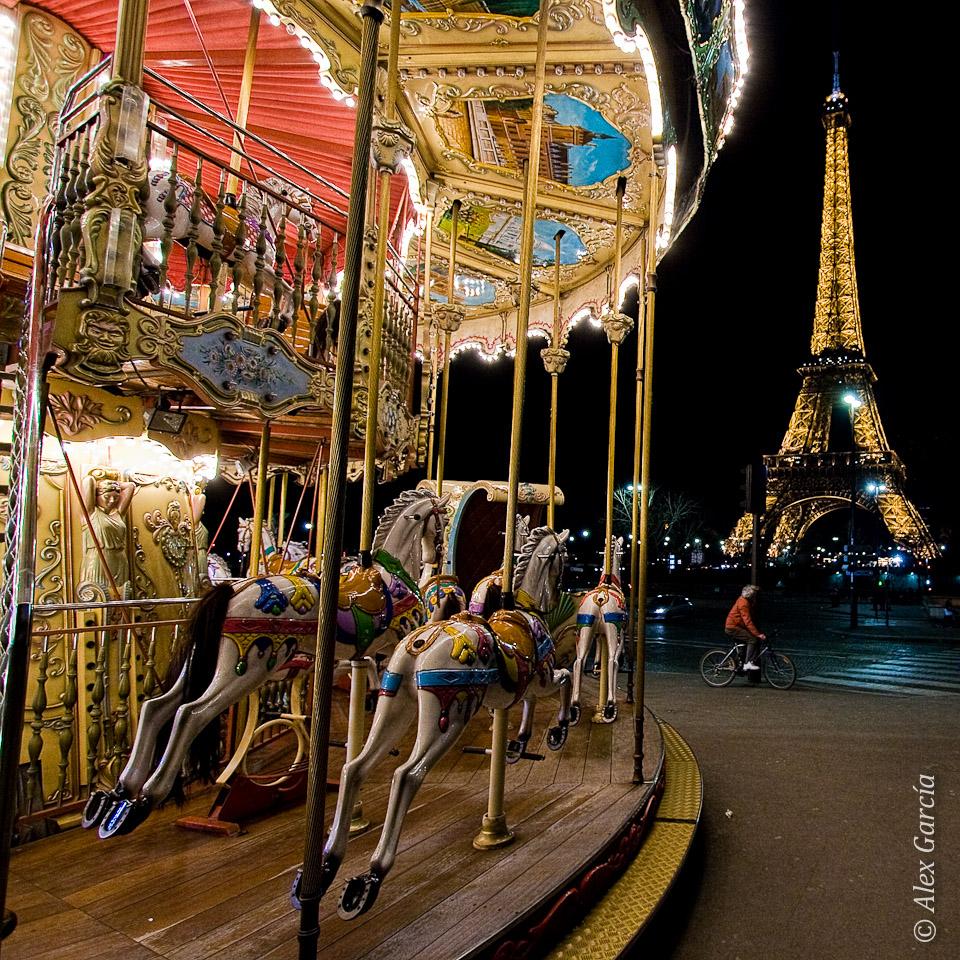 Carrusel, ciclista, Torre Eiffel