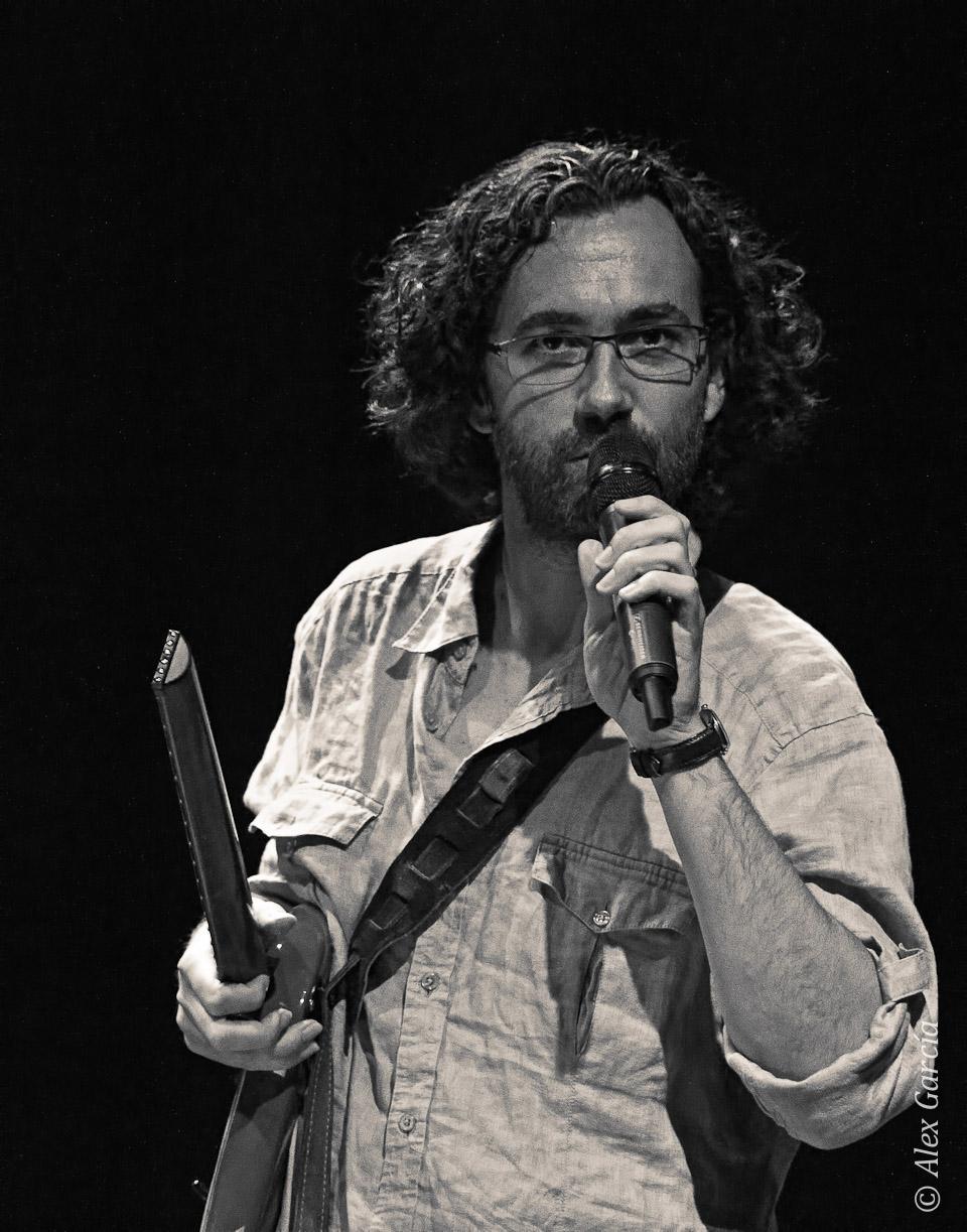 Hablando al público - Óscar Peñas